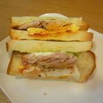 パリクロアッサン - 料理写真:とびきりサンド(ベーコン&とろたま)