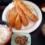 まるわ食堂 - ミックスフライ定食1280円