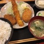 かつ源 - ミックスフライ定食(¥980)