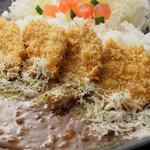 豚料理専門店 銀呈 - チーズかつカレー