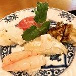 87117463 - 中トロ炙り様、赤いか様、甘海老様、鮃様、煮ハマグリ様