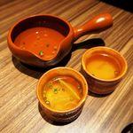 ハラペコ鶏 - お通しは鶏スープ!