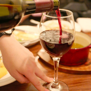 スパークリングワインのボトルもリーズナブルなお値段