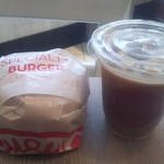 ファーストキッチン・ウェンディーズ - モーニングBLTとカフェインレスアイスラテのセット420円