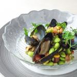 夏野菜たっぷりムール貝のマリネ セヴィーチェ風
