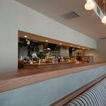 カフェ アンド レストラン オーガリ - オーブンキッチン