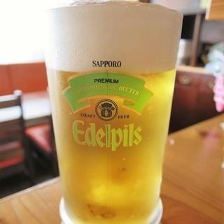 日本全国でも数少ない≪サッポロエーデルピルス≫が味わえます!