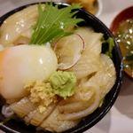 丼 万次郎 - スルメイカユッケ丼 1058円