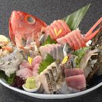 網元料理 徳造丸 - 金目鯛姿造りと刺身盛り合せ