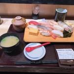 魚がし日本一 - 特盛りにぎり(13巻、980円)