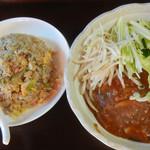 87147398 - 肉味噌あんかけ麺&半チャーハン¥840