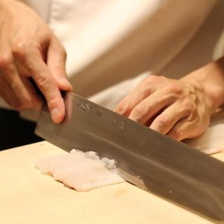 """味覚同士の出会いを昇華させ、""""遊び""""を織り込む割烹料理"""