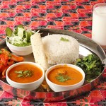 ネパール・インド料理 カトマンズ ダイニング  - ダルバートセット