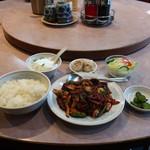 清香園 - 薄切り牛肉の黒豆味噌炒め定食