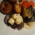 ココナラ カフェ - 前菜3種盛り(奈良漬とチーズの燻製、ズッキー二フリット、丸なすマリネ)