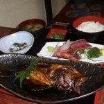 8715155 - 煮魚定食(1800円)・この日はカサゴでした。