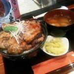 ギン酒場 - 帯広豚丼(780円)