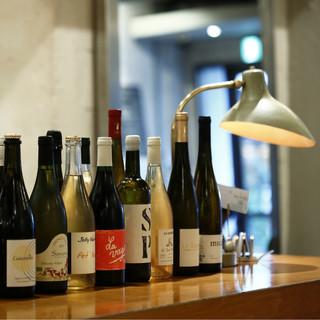 ソムリエセレクトの自然派ワインが多数