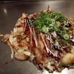 神戸鉄板 長田いっしん - 全部入り的な鉄人焼きは意外とアッサリ食べられる♪