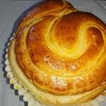 87161506 - カマンベールのパンはチーズの味が濃くて美味しかった