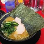 王道家 - ラーメン(680円)、麺カタ