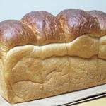 87165783 - パンのトラ食パン 2斤 520円(税込)要予約。     2018.06.03