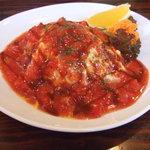 セルフィッシュ - 料理写真:トマトソースのオムライス800円。