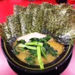 87170139 - ラーメン680円麺硬め。海苔増し100円。