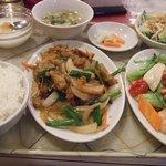8718661 - 豚肉の生姜焼き+芝蝦とカシューナッツ炒めの組み合わせランチ