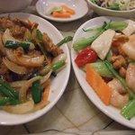 8718663 - 豚肉の生姜焼きと芝蝦とカシューナッツ炒め