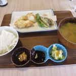 Wakaya 津屋 - ふぐの唐揚げ