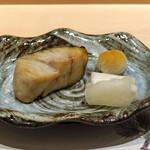 鮨 青海 - サワラの塩焼き