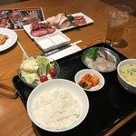 焼肉レストランひがしやま - レディースセットとホルモン