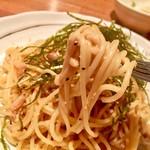 87190735 - 麺は細麺