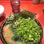 ラーメン 厚木家 - チャーシュー麺の青ネギトッピングです♪(*≧∀≦*)