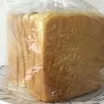 87194901 - 低糖質食パン450円