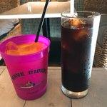 マカマカ - オレンジジュースとアイスコーヒー