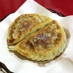 87205532 - ニラと玉子入り焼きパン(二個)¥520