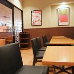 アマンダコーヒーズ - 喫煙室も広々。