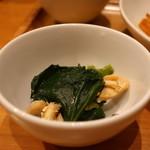 おぼんdeごはん - 小松菜とゆで鶏のナムル