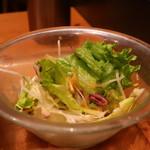おぼんdeごはん - レタス、紫キャベツ、キャベツの千切り、大根のサラダ