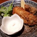 87213050 - 「牡蠣と牛ヒレ肉のフライ 檸檬 藻塩 タルタルソース」 牡蛎がウマウマジューシー✨✨