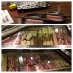 博多串焼き・野菜巻き工房  渋谷宮益坂のごりょんさん - カウンター前のネタケース