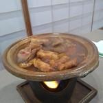 葉菜 - 料理写真:飛騨牛とヘルシーポークのみそすき焼き