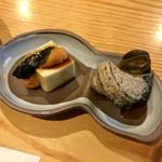 つづ季 - 料理写真:蟹豆腐ウニ&サザエ煮!