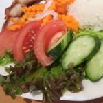 サイゴンマジェスティック - トマト、きゅうり