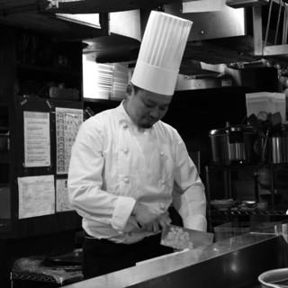 《中華の料理人が手がける本格中華》