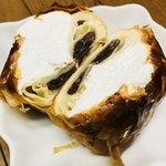 パン ド サンジュ - 小倉餡とホイップクリームの組み合わせ最高✨