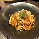 Torattoria BAR Espetalia - ベーコンとキノコのトマトソースパスタ