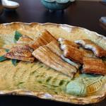大和 - 木曽三川鰻のかば焼きも皮がカリッと焼かれていて見事です